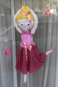 Кукла момиче